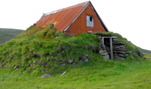 chalet iceland ruin