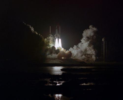 Challenger erdvėlaivis,paleisti,misija,naktis,sts-8,astronautai,pakilimas,raketos,erdvėlaivis,dangus,Orbita,tyrinėjimas,erdvėlaivis,skrydis,pakilkite,NASA