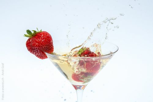 champagne strawberries glass