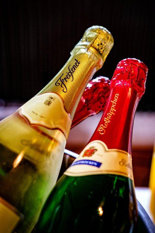 champagne  alcohol  spirits