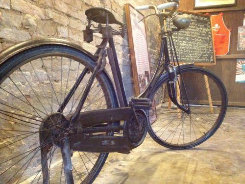chan thabun antiques machine bike