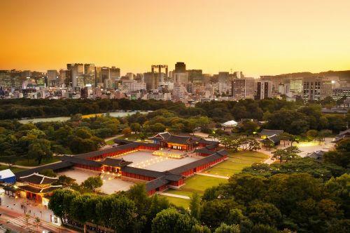 changgyeonggung night view sunset