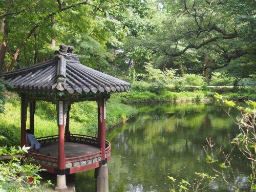 changgyeonggung changgyeonggung palace the secret garden pond