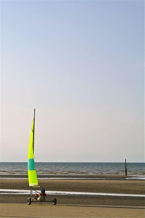 char sailing sea