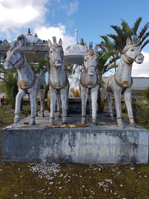 chariot  krishna  krishna's chariot