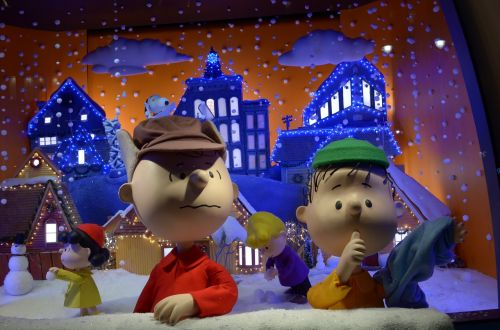 charlie brown snow holiday
