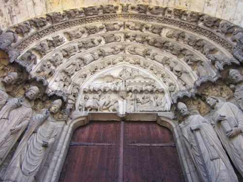 chartres cathedral confessors portal south transept