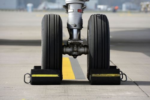 chassis nosewheel wheels