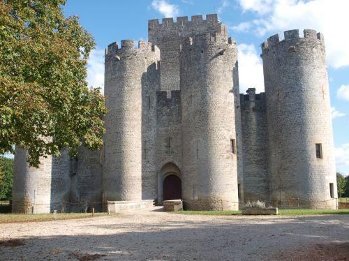 pilis,roquedaillade,bordo,pilis,mezeres,bazas,france,XIV amžius,gironde