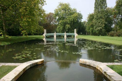 château de chantilly island of love france
