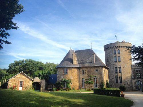 château de la flocellière vendée keep
