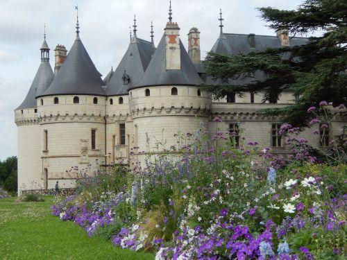 château de sully-sur-loire royal castle france