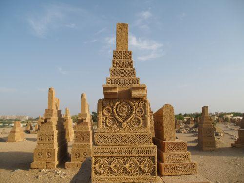 chaukundi tombs karachi
