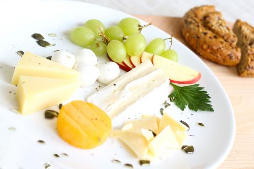cheese whole wheat bread cheese plate