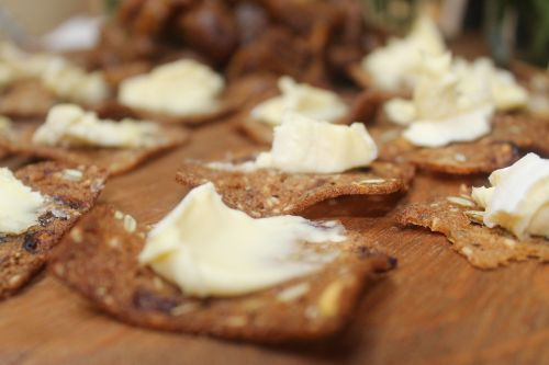 cheese crackers brie