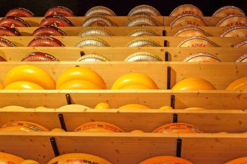 cheese gouda cheddar