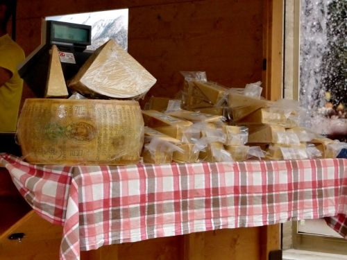 cheese sales stand table