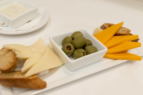 cheese plate cheddar brie