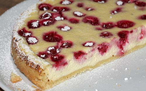 cheesecake cake baked