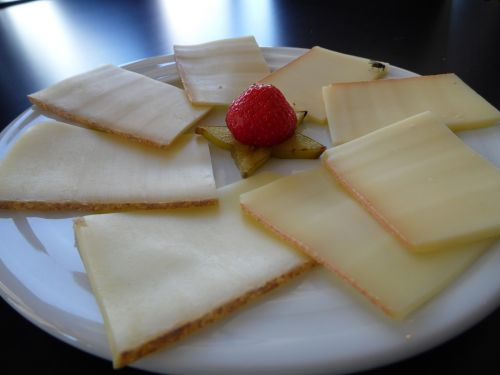 cheeses happy hour