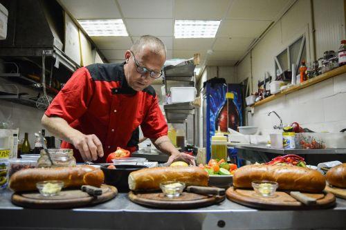 paslauga,virėjas,maistas,virimo,souse,virėjas,plokštė,restoranas,virtuvė