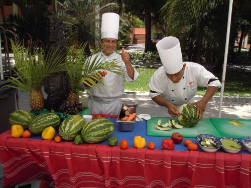 chefs carve carvings