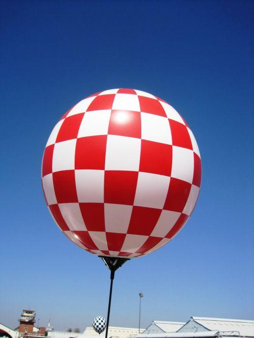 Checkered Balloon Red White