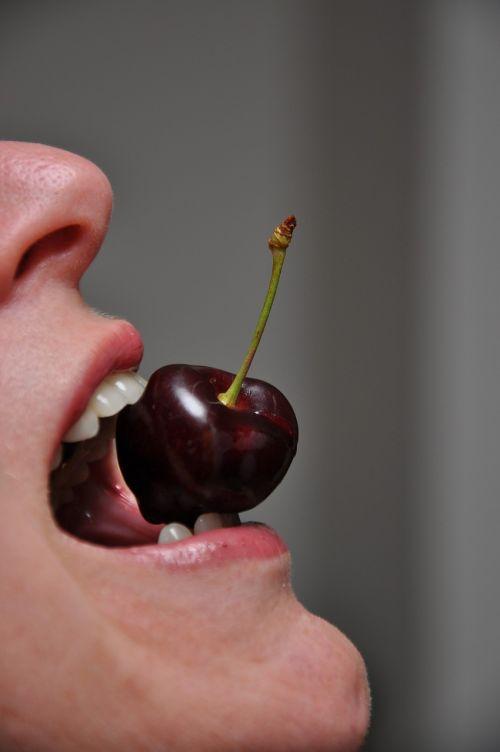 cherry mouth taste