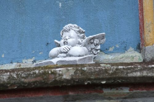 angel cherub monument