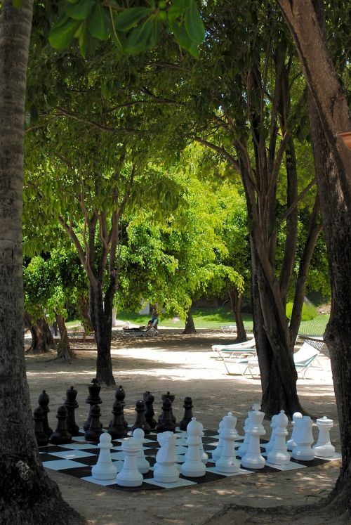 chess game beach