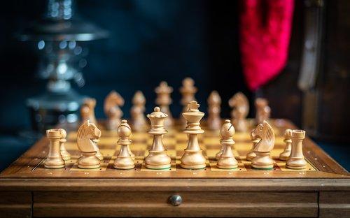 chess  bauer  queen