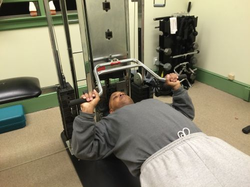 chest press universal machine flat bench press