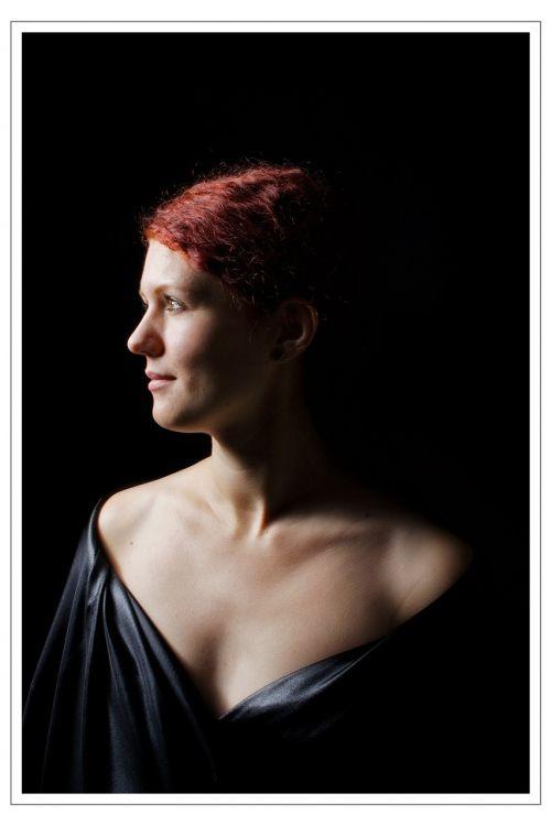 chiaroscuro portrait lady