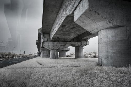 chiayi high speed rail bridge pier semi-infrared photography