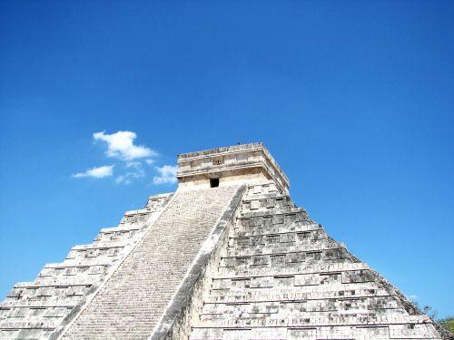chichen itza el castillo mayan