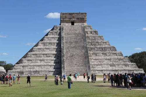 chichen itza maya mexico