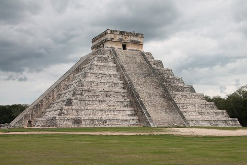 chichen-itza  maya  mexico