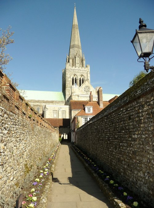 chichester cathedral  st richard's walk  cathedral spire