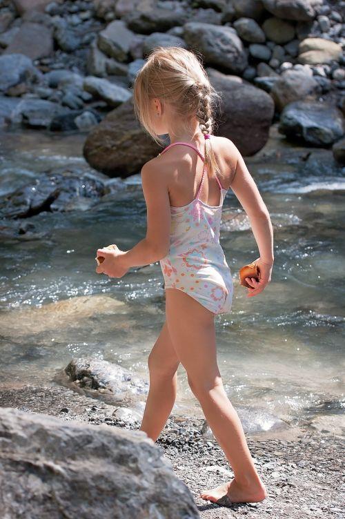 child girl blond