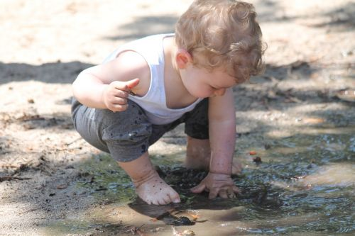 child mud puddle