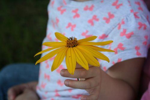 child flower gift