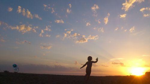 child sunset children's games