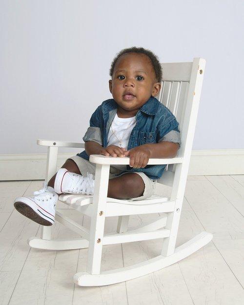 child  chair  sit