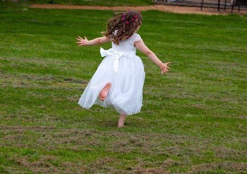 child  bridesmaid  flower girl