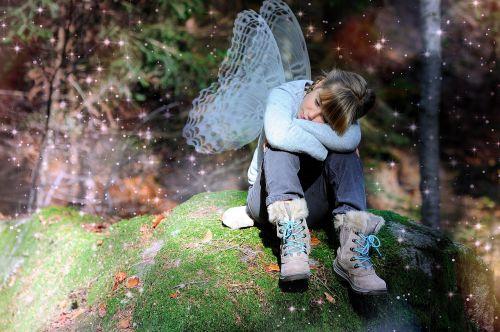 vaikas,mergaitė,sparnas,miškas,pasakos,rinkliava