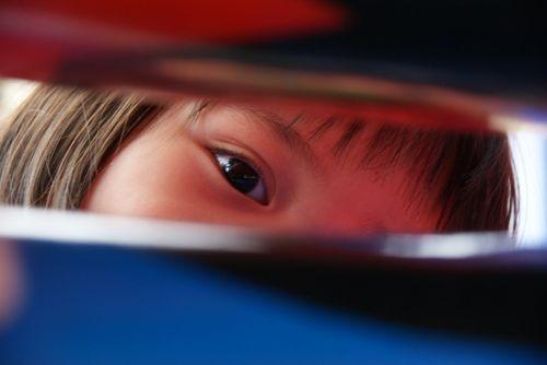 child eye kid