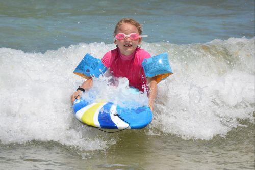 child girl surf
