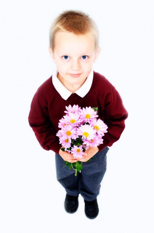 vaikas, sūnus, puokštė, izoliuotas, balta, pavasaris, išraiška, berniukas, raudona, gėlė, laimė, šventė, švesti, hodan, vasara, žmonės, dovanos, meilė, portretas, emocija, siurprizas, ūkis, vaikystę, mielas, gimtadienis, vaikas, romantiškas, valentine, duoti, vaikas ir gėlės