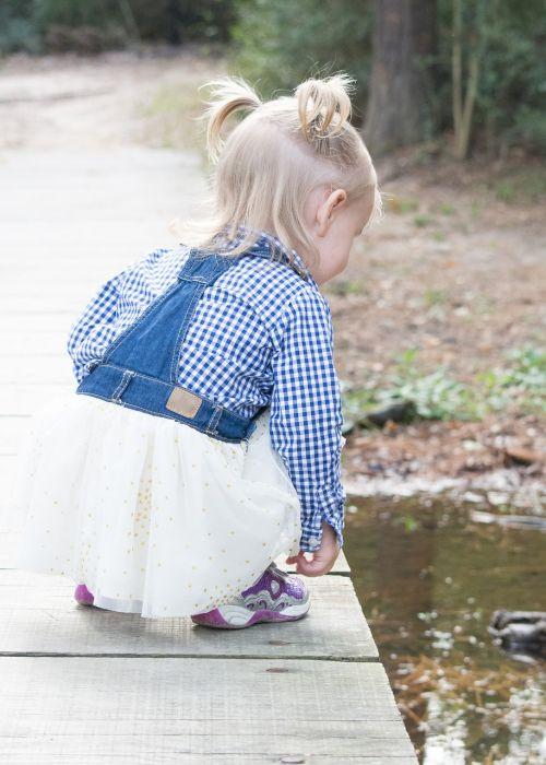 child discovery child on bridge bridge