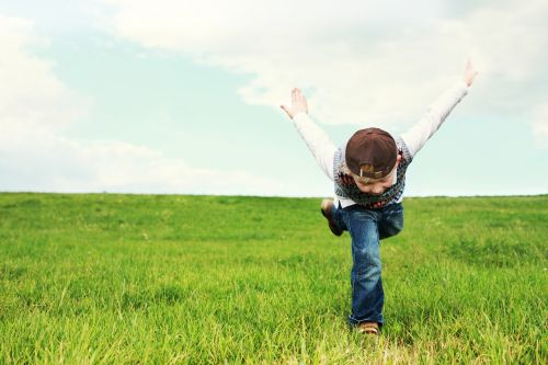 childhood,child,flight,free,luck,flyer,children,play,nature,out,fun,blond,summer,young,leisure,playing child,meadow,sun,joy of life,funny,cool,jeans,joy,laugh,face,happy,emoticon,good mood,feelings,enthusiasm,mood,concept,pleasure,frohsinn,smile,merry mood,satisfaction,cheerful mood,cheerful,cheers
